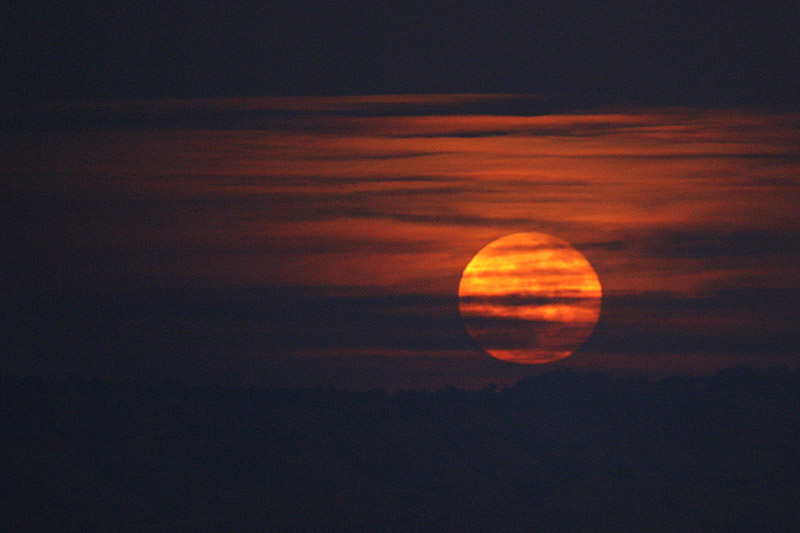red moon rising meaning - photo #42