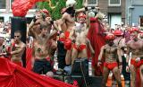 Gay Pride Amsterdam030802-030b.jpg