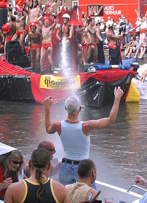 Gay Pride Amsterdam<br>030802-028b.jpg