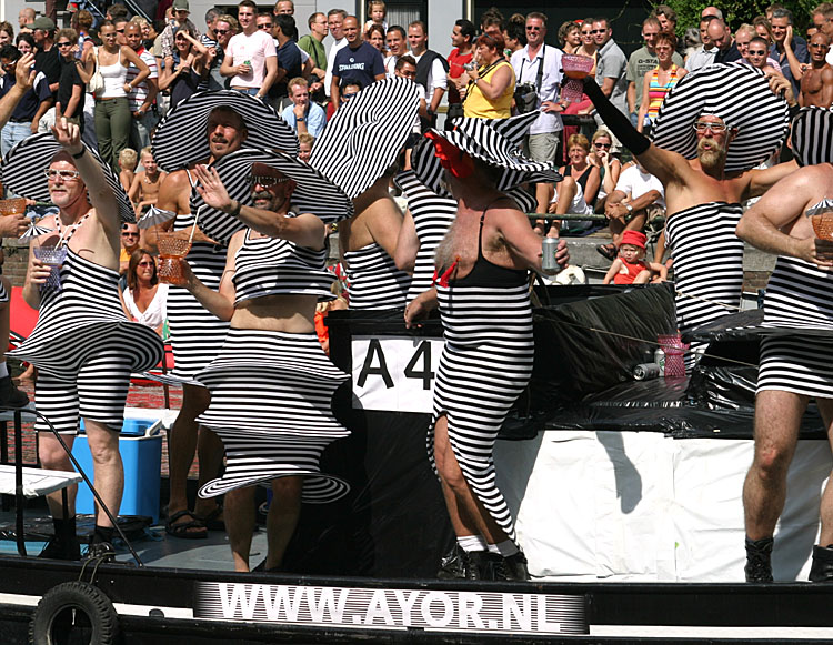 Gay Pride Amsterdam<br>030802-015b.jpg