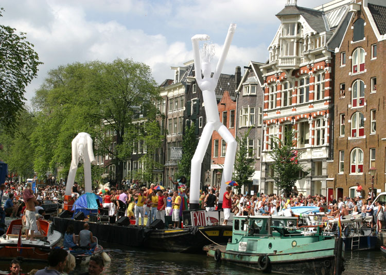 Gay Pride Amsterdam<br>030802-024b.jpg