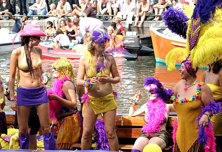 Gay Pride Amsterdam<br>030802-042b.jpg