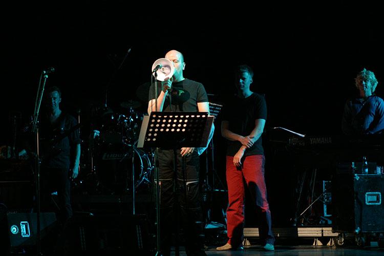 Egon Kracht performing Joes Garage<!--030618-031-->