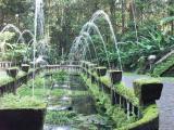 The original fountain still works