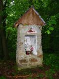 Leśna kapliczka nad Dobrą(134-3460_IMG.JPG)
