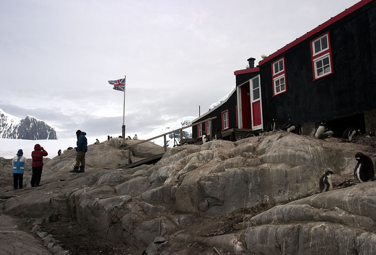 Port Lockroy Hut 8388