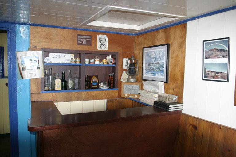 Port Lockroy Hut 8397