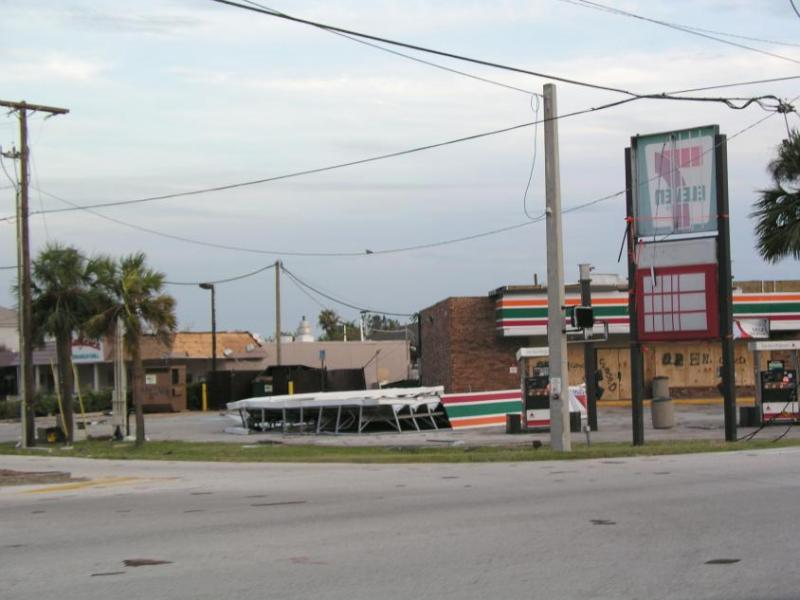 7-Eleven at Hwy A1A and Ocean Blvd.