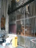551-One of the side chapels