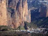 Riglos, le village