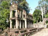 Two storey building with columns (very unusual)