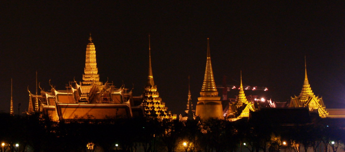m_temple at night.jpg