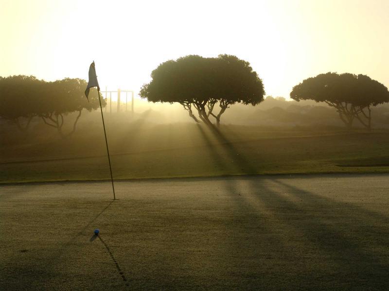 Morning Golf 01.jpg