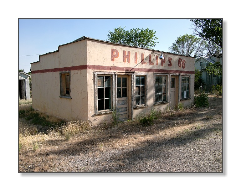 <b>Out of Business</b><br><font size=2>Leamington, UT