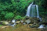 Abraçando a cachoeira dos sete reis, Iporanga-SP