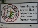 walking around the Seminaire Theologique  Nazareen d'Haiti  #5, impasse St-Marc, Petionville   Campus Nazarene