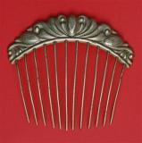 Peigne en métal argenté (N°176)