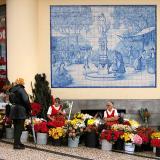 Flower Sales at Mercado Dos Lavradores