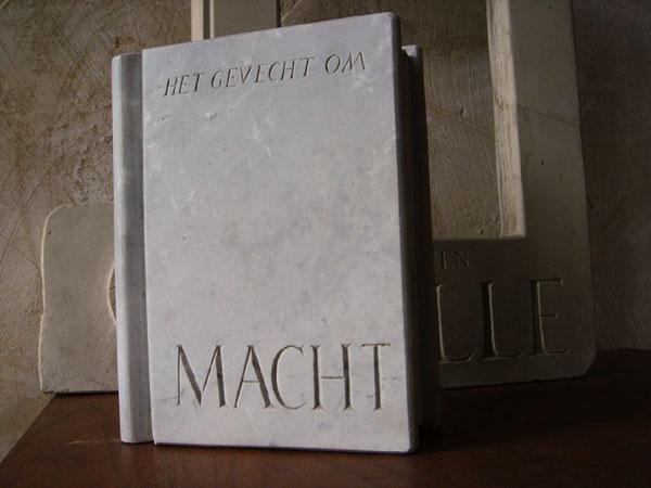 MACHT