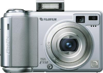 E550_front_open_flash_400.jpg
