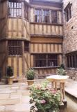 Leeds Castle Inner Courtyard