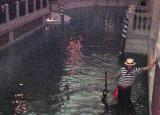 LV.Venetian.gond3.jpg