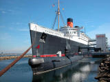 Queen Mary w/ Russian sub Scorpion