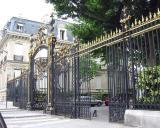 An entrance to Parc Monceau