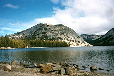 tenaya lake 2.jpg