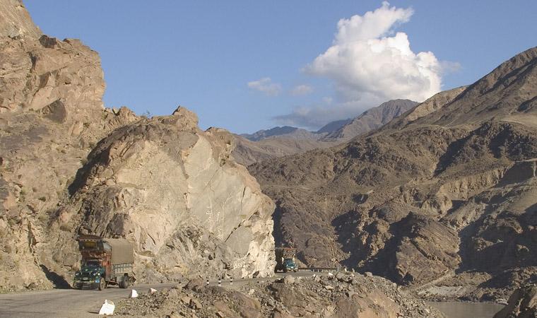 Karakoram Highway-indus CRW_3130.jpg