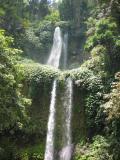 stop in Senaru for a 30 min trek to the Sendang Gila Waterfall