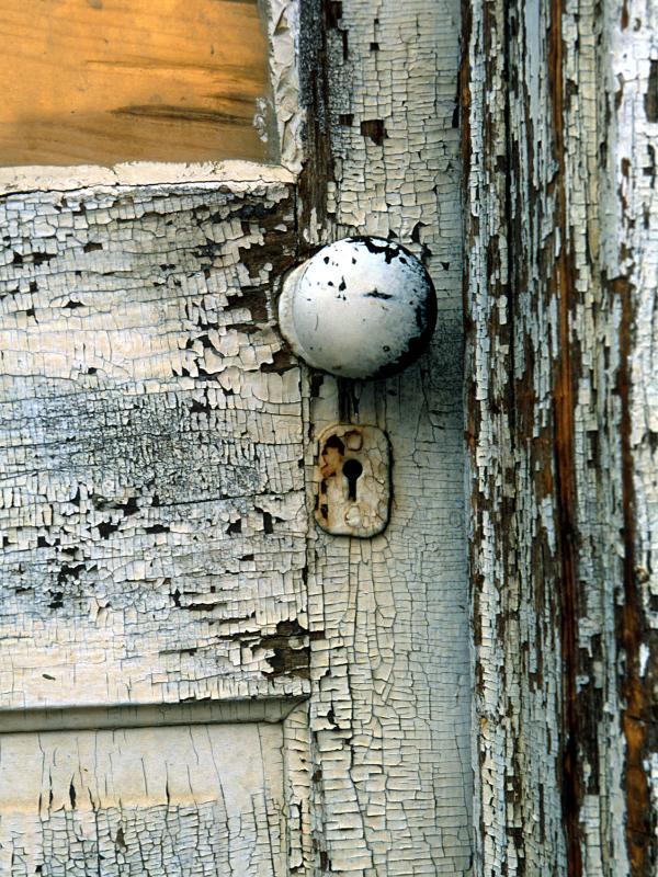 cracked paint door knob keyhole