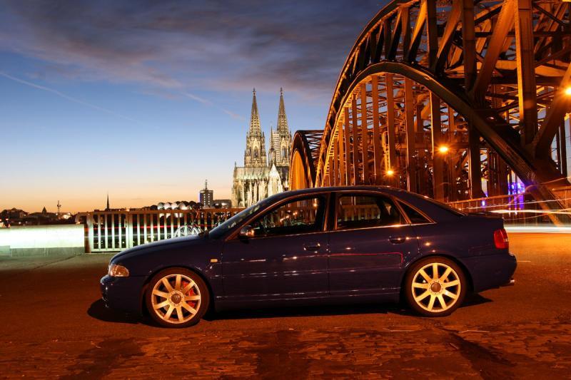 Nogaro Blue S4 at Koelner Dom.jpg