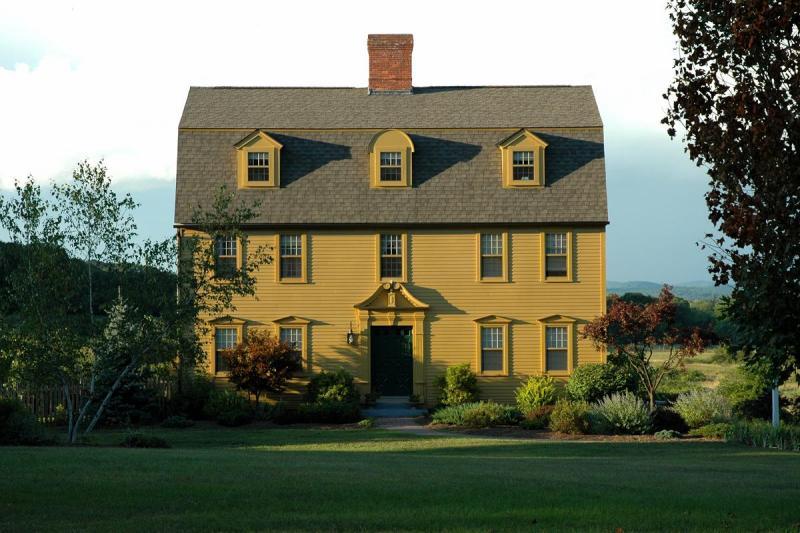 2005-09-02: neighbors house (Aug. 24)