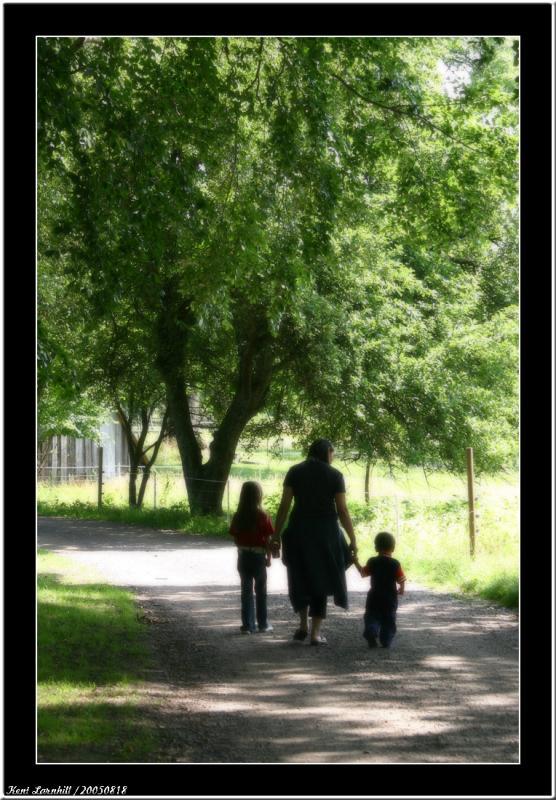 20050818 - Walking -