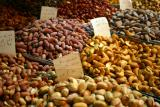 Going nuts at Souq Hamidiyyah