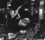 Making bren gun barrels Inglis plant