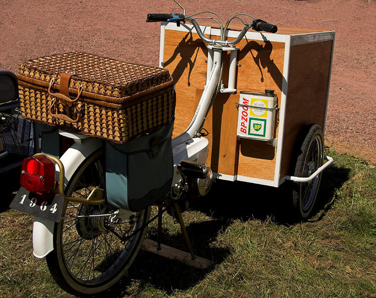 Delivery tricycle