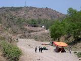 Way to Pir Ganoi Shrine