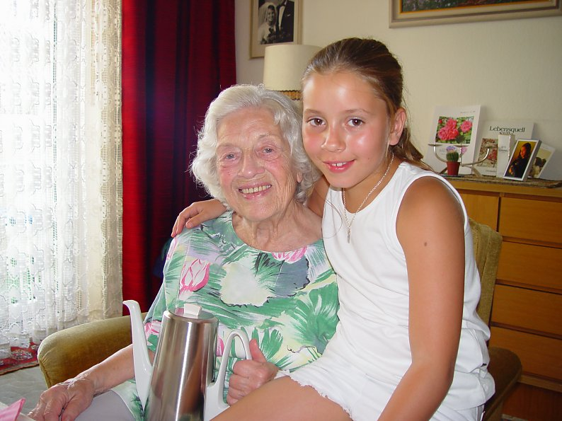 Family - Vic and her Great-Grandmother