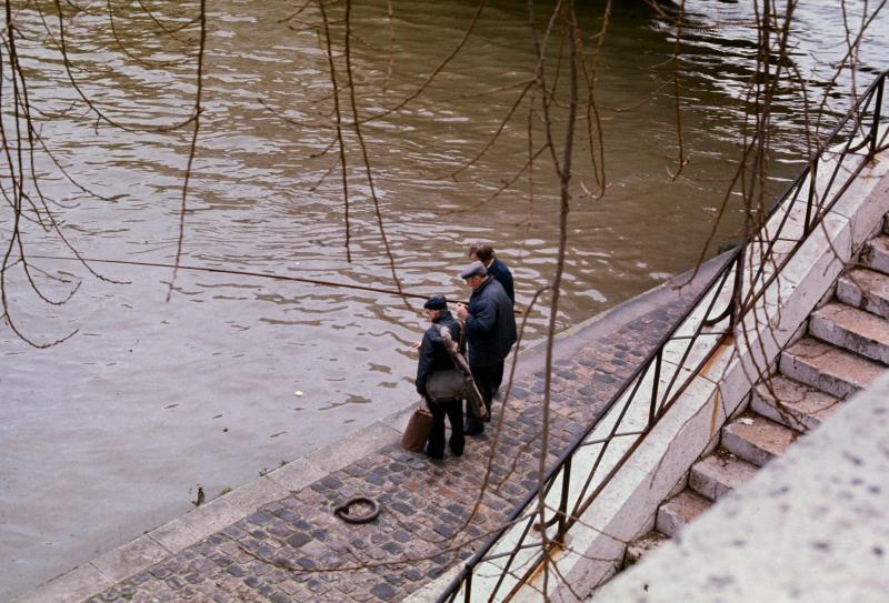fishermen on the Seine 2.jpg