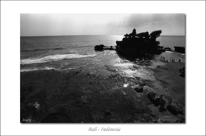 Tanah Lot wide angle