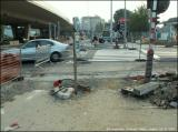 Durant des jours sans feux, avec des pierres et des cables pour trébucher... (23/9/2005)