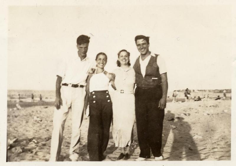 Ricco Simoncini and Antionette LaPriore, Gilda DeSantis and Phil Nigro At the beach