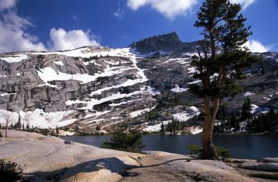 Yosemite NP: Elizabeth Lake close to Tuolumne Meadows
