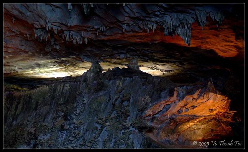Hang Thien Cung cave