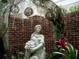 Opryland statue