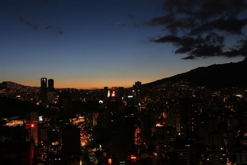 Vista del Oeste de Caracas, desde helipunto del Centro Empresarial Sabana Grande 4