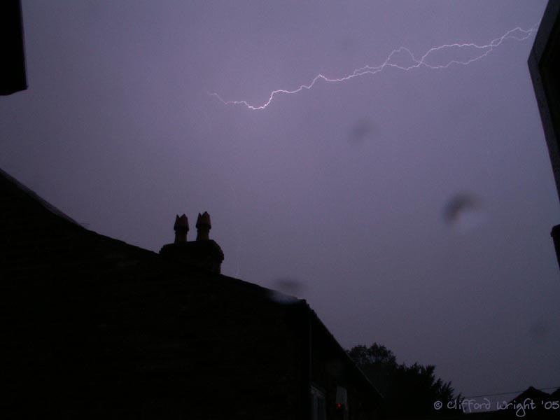 01_08_05 Lightning2