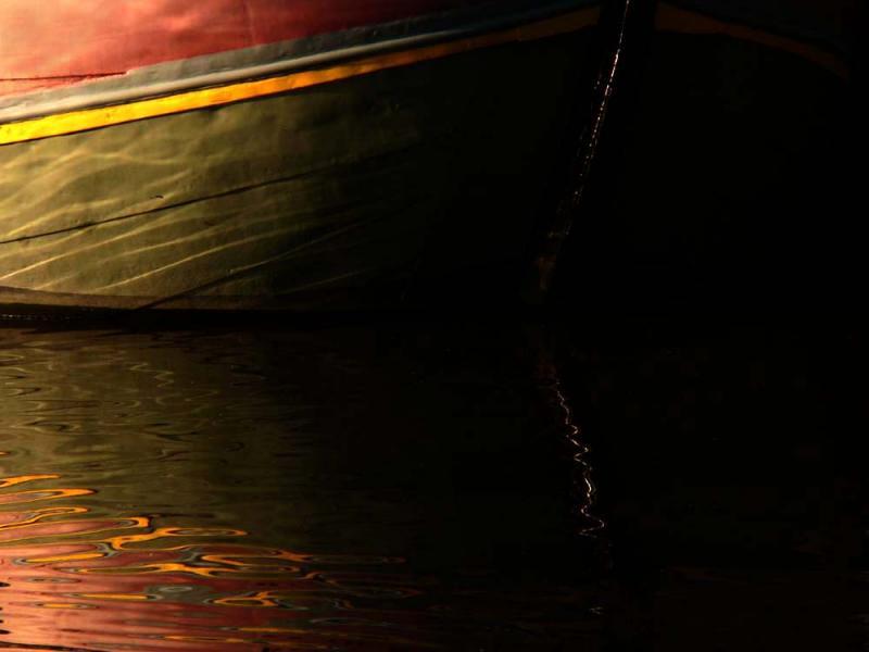 Reflection in water (5): Vanishing Point, Bruges, Belgium, 2005